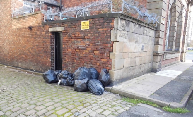 Council clamp down on alleyway dumpers as bill hits £450k